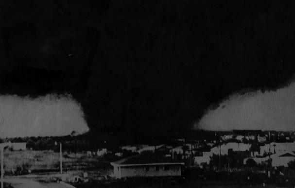 [Image: Tornado_3_t607.jpg]